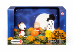 Schleich North America 22015 Toy Peanuts Halloween Scenery Pack, Ages 3 & Up